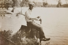 Robert T. Johnson - 1916 - Des Moines River